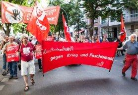 aufstehen-gegen-krieg-und-faschismus